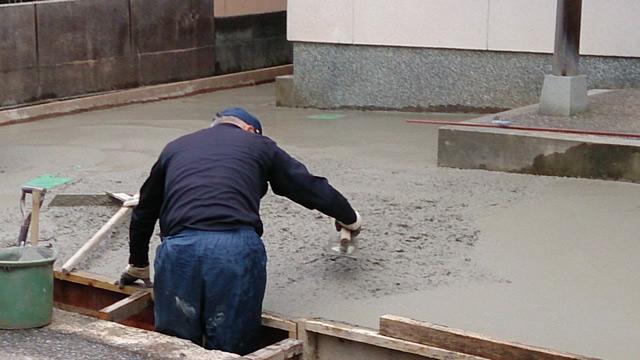 コンクリート工事の様子:DIYの参考に