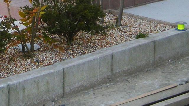 DIYでの土留め(コンクリートブロック使用)